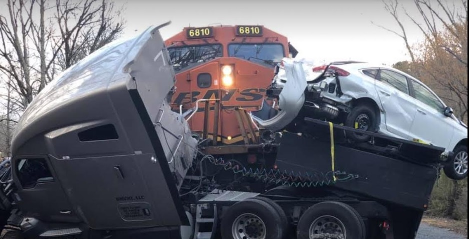 Train Crashes into Car Hauler in Silver Creek