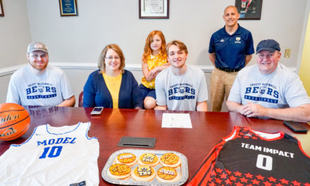 Local Students Signs Sports Scholarship