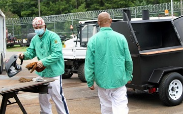 TCSG and GNTC bring mobile welding lab to Floyd County Prison