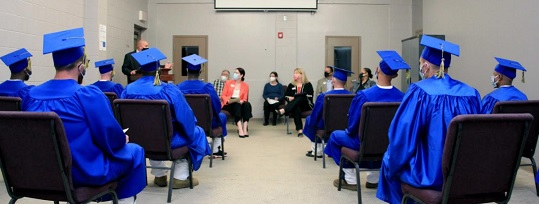 GNTC presents Floyd County Prison graduates with welding certificates