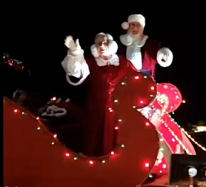 Nearly 20K Come out for Drive-Thru Christmas Parade in Rome