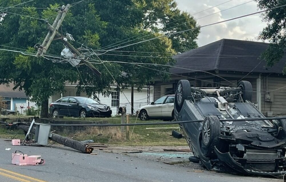 Maple Closed after Wreck, One sent to Hospital with Injuries